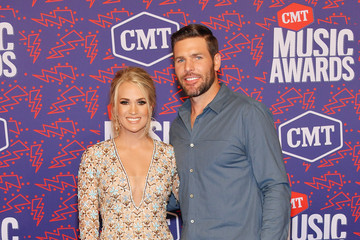 Mike Fisher Carrie Underwood 2019 CMT Music Awards - Arrivals