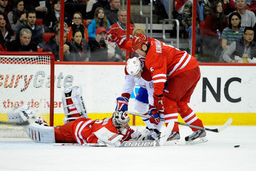 Mike Komisarek Montreal Canadiens v Carolina Hurricanes