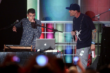 Mike Tompkins 3rd Annual Streamy Awards - Show