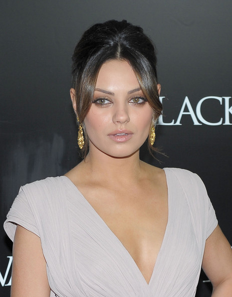 mila kunis back tattoo black swan. mila kunis ack tattoo black