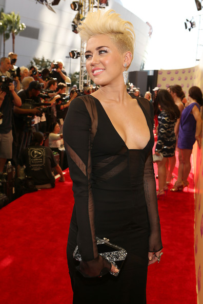 Miley Cyrus - 2012 MTV Video Music Awards - Red Carpet
