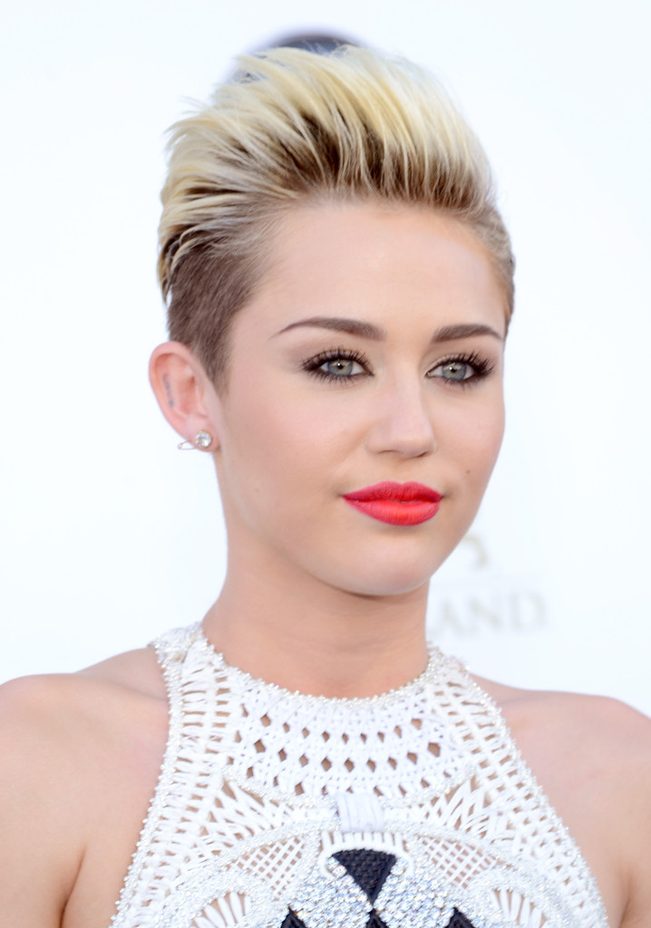 Miley Cyrus - Arrivals at the Billboard Music Awards — Part 3