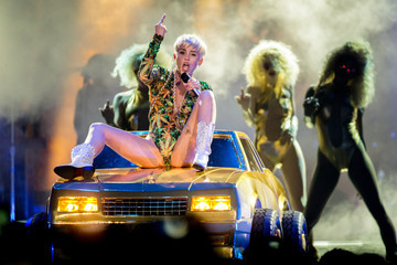 One of Miley Cyrus' Bangerz Tour Buses Went Up in Flames