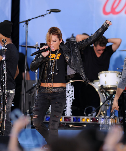 "Miley Cyrus Performs On ABC's ""Good Morning America"" - June 18, 2010 [good morning america,musician,performance,music,entertainment,music artist,drums,performing arts,stage,musical instrument,drum,miley cyrus,new york city,central park,rumsey playfield,abc]"
