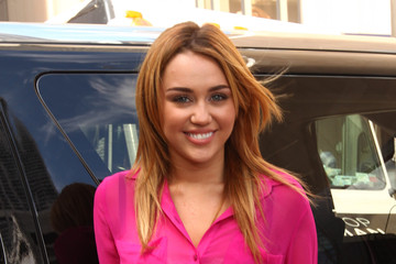Miley Cyrus TOPSHOP/TOPMAN Chicago Store Opening