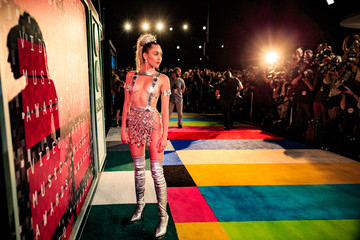 Miley Cyrus Entertainment Pictures of The Week - August 31