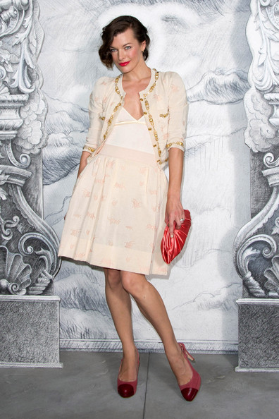 Milla Jovovich - Chanel: Photocall - Paris Fashion Week Haute Couture F/W 2012/13