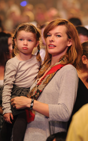 Photo of Milla Jovovich & her Daughter   Ever Gabo Anderson