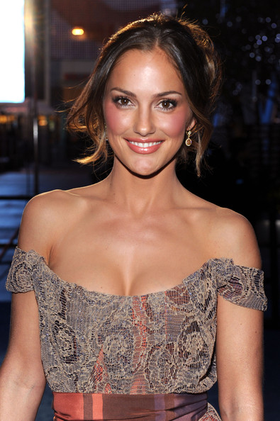 minka kelly glasses. Minka Kelly Actress Leighton