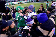 Sam Darnold #14 of the New York Jets and Kirk Cousins #8 of the Minnesota Vikings shake hands after their game at MetLife Stadium on October 21, 2018 in East Rutherford, New Jersey. The Vikings defeated the Jets 37-17.