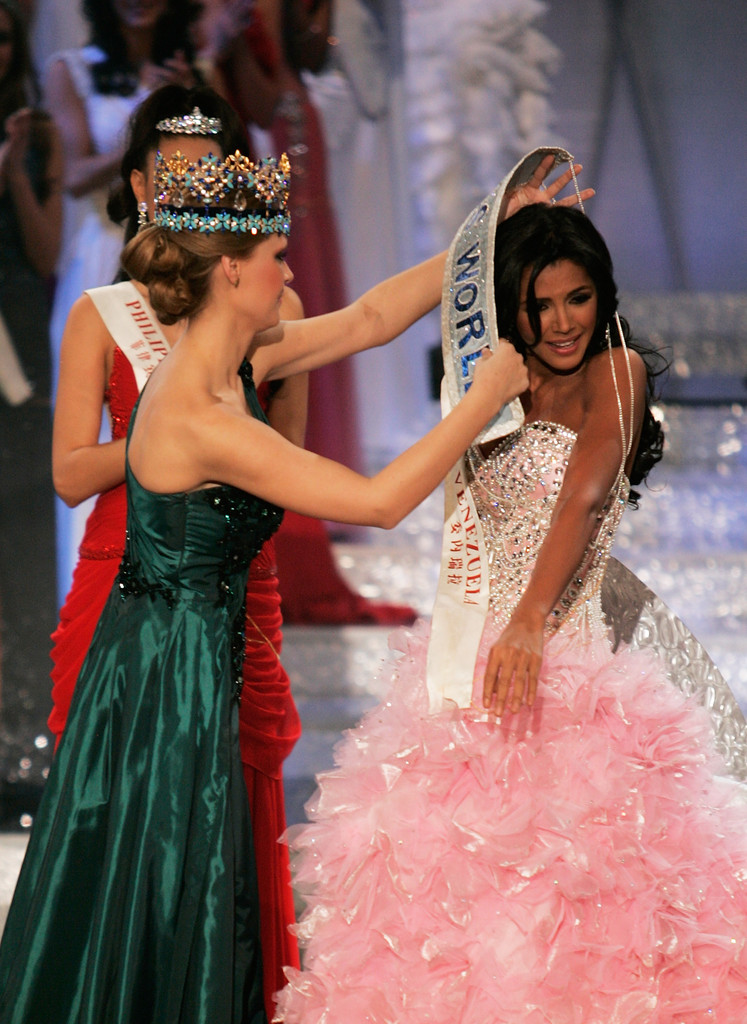ivian sarcos, miss world 2011. - Página 2 Miss+World+Final+2011+siKEXzqVwOwx
