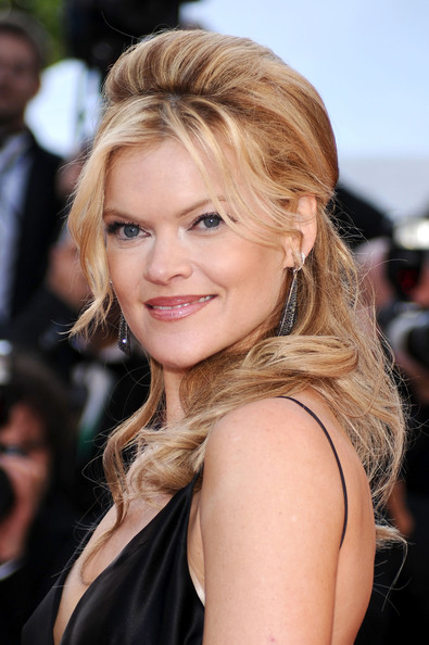 missi pyle how tall