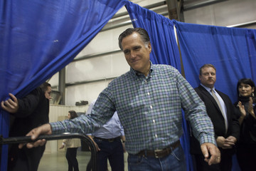Mitt Romney Mitt Romney Campaigns in Anchorage
