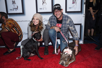 Mo Collins Kaley Cuoco Hosts 9th Annual Stand Up For Pits