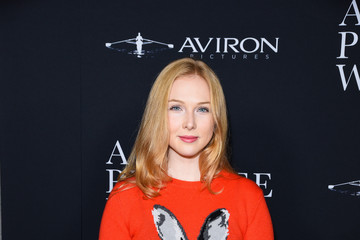Molly Quinn Aviron Pictures' Los Angeles Premiere Of 'A Private War' - Arrivals
