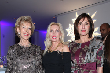 MJ Rogers Monaco Celebrates Christmas in New York