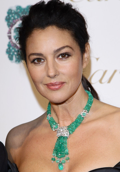 http://www4.pictures.zimbio.com/gi/Monica+Bellucci+Sortilege+de+Cartier+Collection+5ybkZz8qA1tl.jpg
