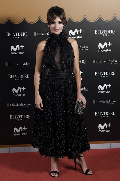 'Velvet Coleccion: La Despedida' Madrid Premiere [clothing,dress,carpet,red carpet,fashion,little black dress,premiere,flooring,shoulder,cocktail dress,monica cruz,photocall,spain,velvet coleccion: la despedida,madrid premiere,teatro barcelo,madrid]