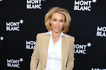 kelly carlson official instagram