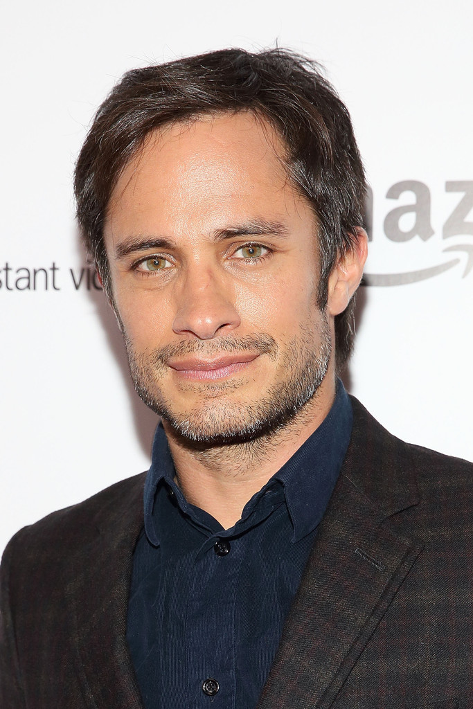 Gael Garcia Bernal Photos Photos - 'Mozart in the Jungle ...
