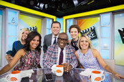 TODAY -- Pictured: Jane Krakowski, Sheinelle Jones, Willie Geist, Al Roker, Ellie Kemper and Dylan Dreyer on Friday, September 22, 2017 --