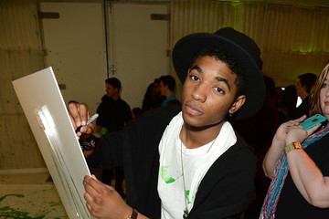 Nadji Jeter Yoshi's Celebrity Egg Decorating Egg-sperience