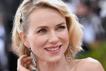 Naomi Watts 'Manus x Machina: Fashion in an Age of Technology' Costum...