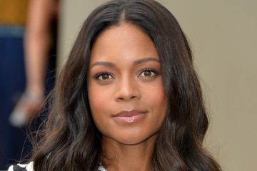 Naomie Harris Burberry Womenswear Spring/Summer 2016 - Arrivals