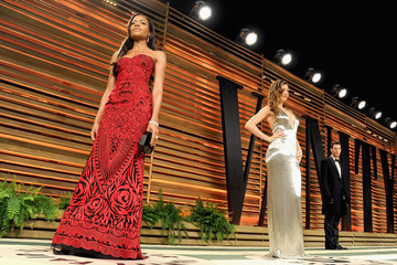 Naomie Harris Stars at the Vanity Fair Oscar Party