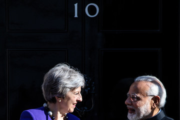 Narendra Modi Commonwealth Leaders Hold Bilateral Talks With Theresa May