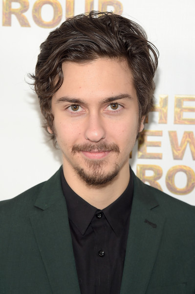The 22-year old son of father  Michael Wolff and mother Polly Draper, 185 cm tall Nat Wolff in 2017 photo