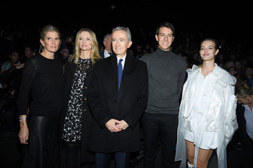 Natalia Vodianova Bernard Arnault Louis Vuitton : Front Row - Paris Fashion Week - Menswear F/W 2019-2020
