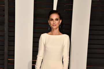 Natalie Portman Arrivals at the Elton John AIDS Foundation Oscars Viewing Party — Part 5