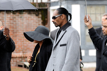 Snoop Dogg Shante Broadus Nate Dogg Aka Nathaniel Dwayne Hale Funeral Service