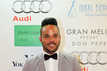 Nate James Red Carpet at the Global Gift Gala