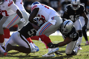 Navorro Bowman New York Giants v Oakland Raiders