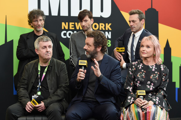 IMDb At New York Comic Con – Day 2 [good omens,event,team,games,neil gaiman,douglas mackinnon,david tennant,michael sheen,miranda richardson,jon hamm,imdb,javits center,new york comic con]