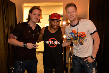 Nelly Brian Kelley Backstage at the CMT Music Awards