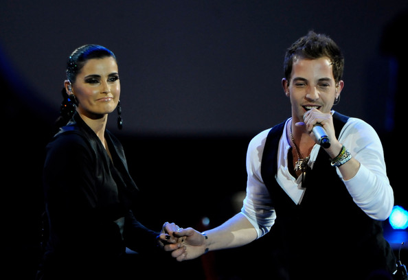 "Photo of James Morrison & his friend musician  Nelly Furtado - Song ""Broken Strings"""