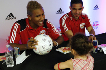 Jhonny Arteaga New York Red Bulls Team Autograph Signing