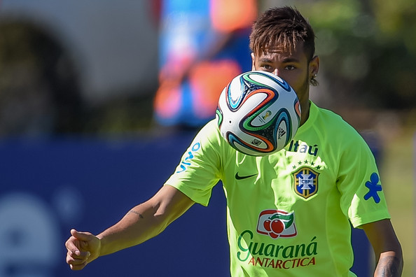 [Image: Neymar+FIFA+World+Cup+Training+Camp+Day+...YdTXBl.jpg]
