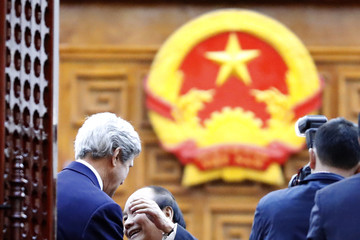 Nguyen Xuan Phuc Secretary of State John Kerry on Official Visit to Vietnam