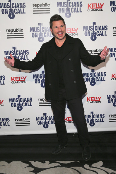 Musicians On Call Celebrates Its 15th Anniversary Honoring Kelly Clarkson And EVP Of Republic Records, Charlie Walk [charlie walk,kelly clarkson,nick lachey,evp,event,premiere,banner,musicians on call celebrates its 15th anniversary,new york city,republic records]