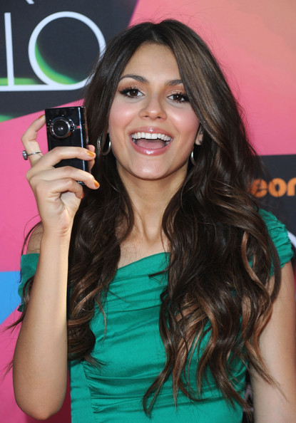 Actress Victoria Justice arrives at Nickelodeon's 23rd Annual Kids' Choice Awards held at UCLA's Pauley Pavilion on March 27, 2010 in Los Angeles, California.
