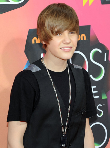 Singer Justin Bieber arrives at Nickelodeon's 23rd Annual Kids' Choice Awards held at UCLA's Pauley Pavilion on March 27, 2010 in Los Angeles, California.