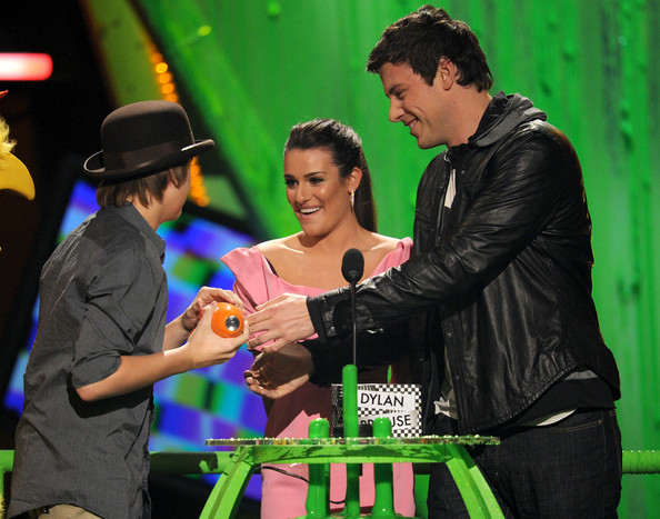 http://www4.pictures.zimbio.com/gi/Nickelodeon+23rd+Annual+Kids+Choice+Awards+JnwA7tAF_Onl.jpg