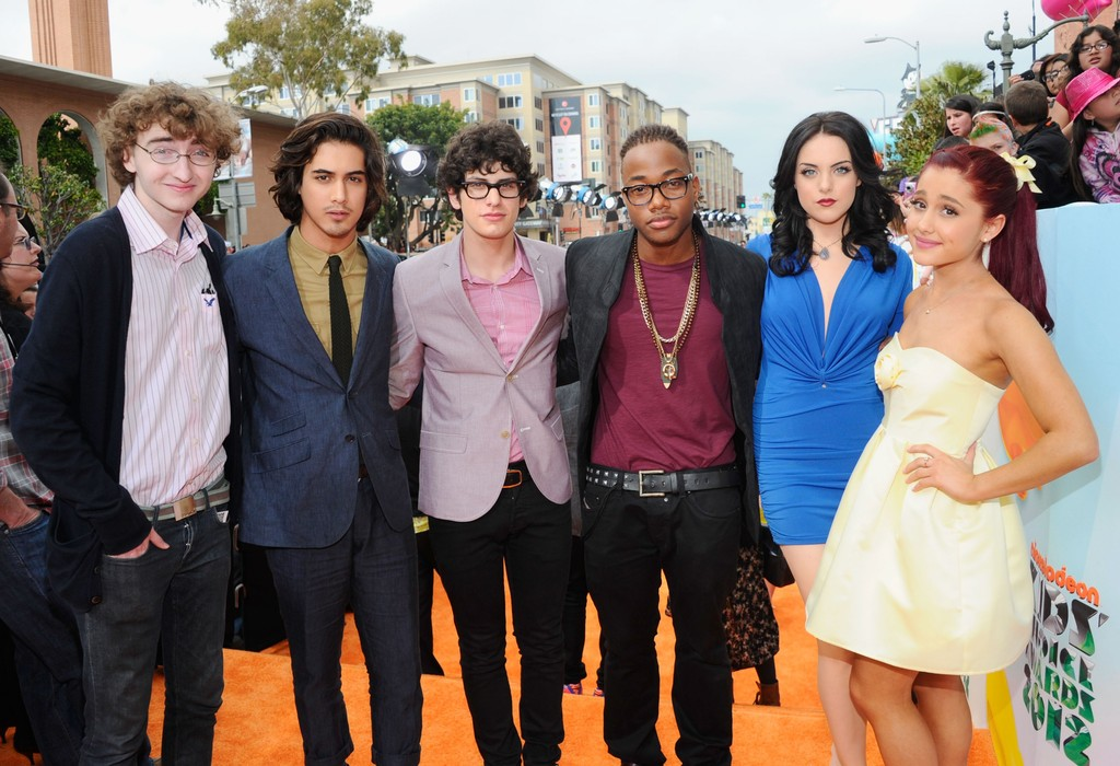 Avan Jogia And Elizabeth Gillies 2015