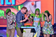 (L-R) Actors Nolan Gould, Jesse Tyler Ferguson, Rico Rodriguez, Sarah Hyland and Ariel Winter of Modern Family accept award for Favorite Family TV Show onstage during Nickelodeon's 28th Annual Kids' Choice Awards held at The Forum on March 28, 2015 in Inglewood, California.
