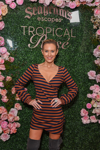 Chris Harrison hosts Seagrams Escapes Tropical Rosè Launch Party [pink,spring,dress,plant,flower,perennial plant,chris harrison,nicky whelan,socialite,flower,pink,model,seagrams,tropical ros\u00e8,launch party,launch party,fashion,pink m,flower,socialite,model,beauty,pattern,sleep]