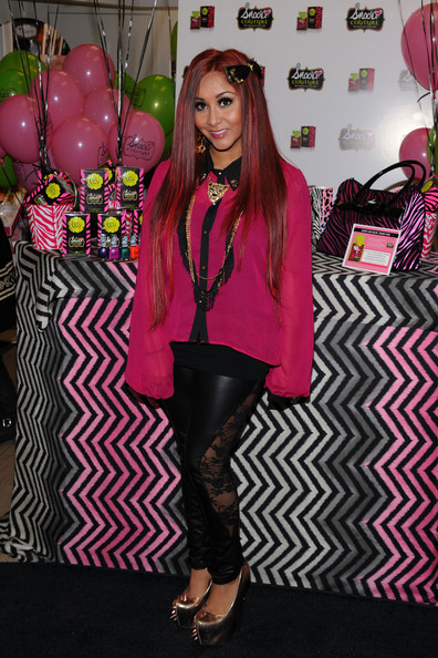 8173b3a6ae7 Snooki Autographs Snooki Couture Fragrance For Fans At Perfumania NYC